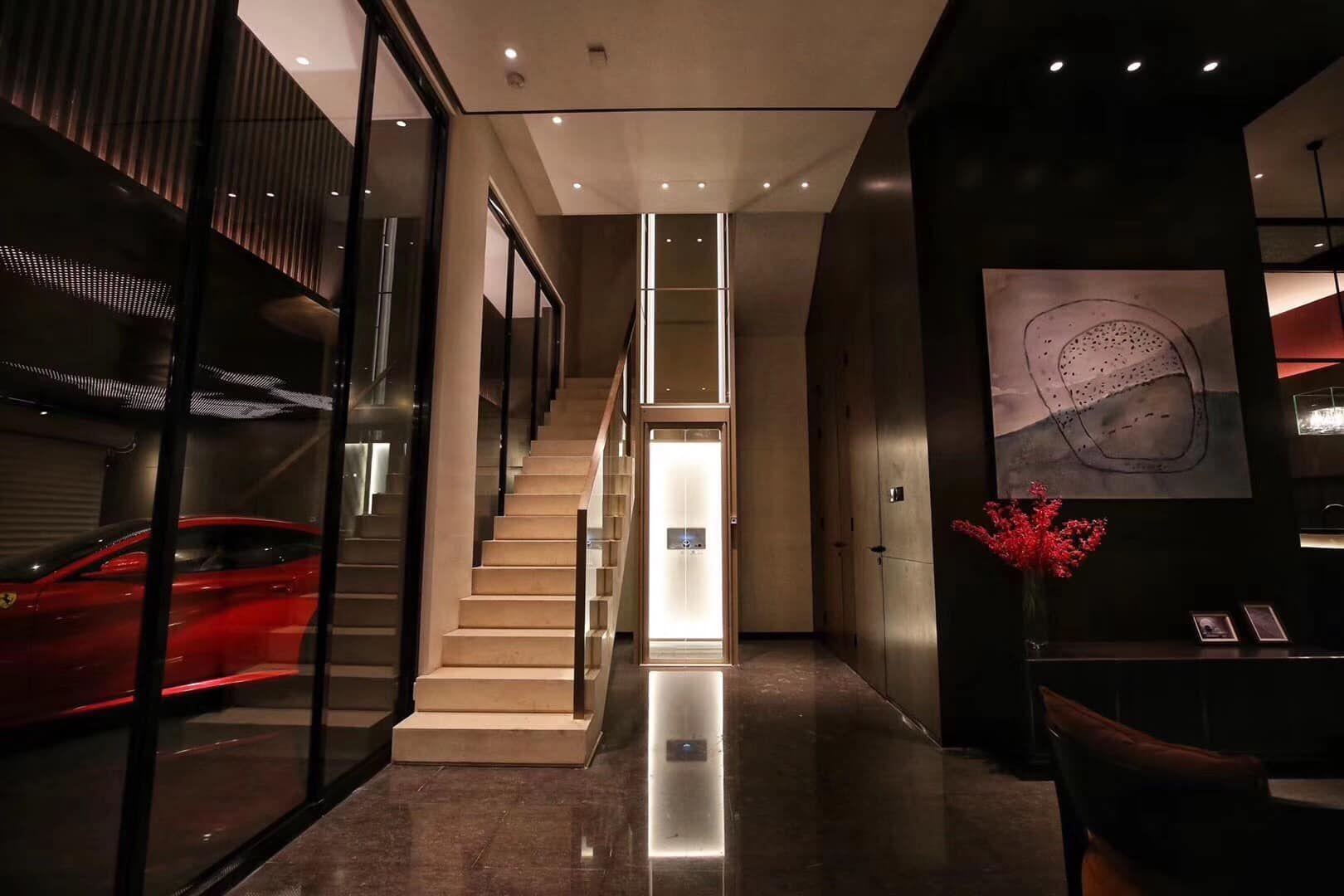 مصعد-داخلي